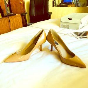 Beige/Nude/Bone SFA kitten heels spectacular!